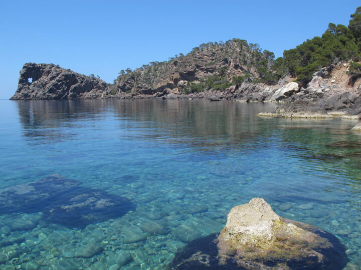 fishingtripmajorca.co.uk boat trips along the coast of Tramontana Majorca